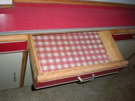 Foto 2 Küchenschrank Baujahr circa 1960 Zustand gut