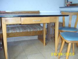 Küchentisch mit 2 Stühlen aus Haushaltsauflösung