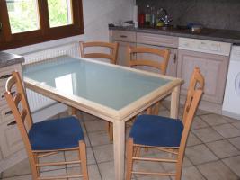 Küchentisch + 4 Stühle