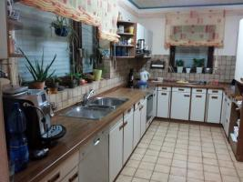 Foto 2 Küchenzeile mit Einbaugeräten