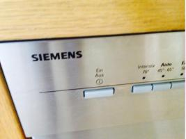 Foto 3 Küchenzeile mit Geräten