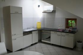 Küchenzeile mit Geräten zu verkaufen