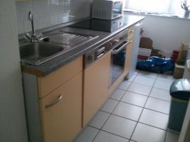 Foto 3 Küchenzeile mit allen E- Geräten