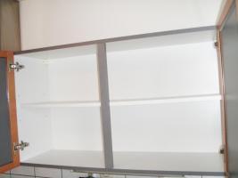 Foto 10 Küchenzeile inkl. Einbaugeräte und Tresen, rotbuche/anthrazit