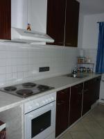 Küchenzeile weiß mit Geräten, ca. 2,60 m plus extra Hochschrank