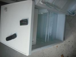 Kühlschrank abzugeben