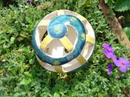 Kugel blau-grün gelb Dekokugel Garten Terrasse Balkon Geschenk