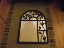 Foto 2 Kuhstallfenster umgestaltet zum Spiegel