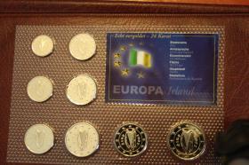 Foto 2 Kursmünzensätze versch. Länder bfr preisgünstig
