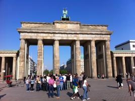 BERLIN FERIENWOHNUNG ZENTRAL BRANDENBURGER TOR ZENTRUM UNTERKUNFT FEWO