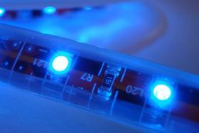 LED Strips 120 LED/m RGB Komplettset -Netzteil & Dimmer