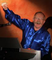 Foto 3 LIVE + DISCO in BREMEN = Top Livemusik & fetzige Disco aus einer Hand.
