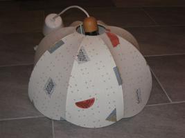 Lampenschirm mit textilem Bezug