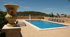 Foto 2 Langzeitmiete Mallorca: 300 m2 große gemütliche Pool Finca nahe Felanitx mit Panoramablick auf Kloster San Salvador