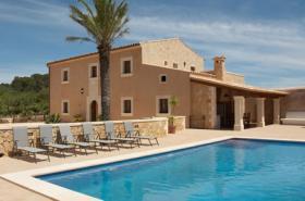 Foto 3 Langzeitmiete Mallorca: 300 m2 große gemütliche Pool Finca nahe Felanitx mit Panoramablick auf Kloster San Salvador