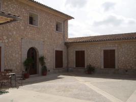 Foto 4 Langzeitmiete Mallorca: 520 m2 Luxus Pool Finca mit Bodega und Gästetrakt nahe Montuiri zur Langzeitmiete