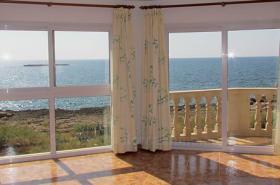 Langzeitmiete Mallorca: 80 m2 Meerblick Wohnung in erster Meereslinie von Colonia Sant Jordi