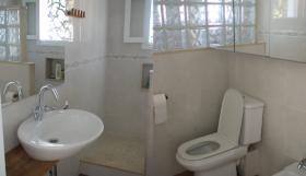 Foto 8 Langzeitmiete Mallorca: 80 qm Wohnung (Doppelhaus) im Ibiza Stil direkt am Meer in Cala Pi