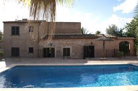Langzeitmiete Mallorca: Alte renovierte Pool Finca mit Heizung in Cala Mondrago, 1 Km bis zum Sandstrand