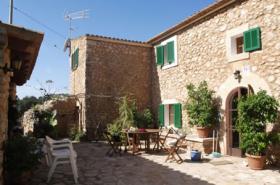 Langzeitmiete Mallorca: Alte renovierte mallorquinische Traum Finca mit Pool und Panorama Blick in S'Horta