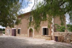 Langzeitmiete Mallorca: Antike renovierte 350 qm große Pool Finca mit Apartment zwischen Calonge und Cala D'or