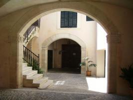 Foto 2 Langzeitmiete Mallorca: Außergewöhliche Wohnung mit Pool in einem historischem Altstadt Palast von Plama de Mallorca