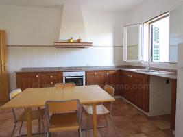 Foto 2 Langzeitmiete Mallorca: Gro�z�giges Neubau Dorfhaus in ruhiger Lage von Ses Salines