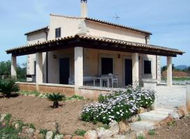 Foto 2 Langzeitmiete Mallorca: Kleine Finca in Ses Salines mit 18.000 m2 Grundst�ck