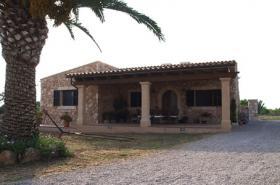 Langzeitmiete Mallorca: Kleine möblierte Natursteinfinca nahe Santanyi - Pferdehaltung möglich