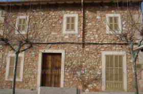 Langzeitmiete Mallorca: Lichtdurchflutetes stilvolles Stadthaus in Colonia Sant Jordi