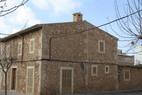 Foto 2 Langzeitmiete Mallorca: Lichtdurchflutetes stilvolles Stadthaus in Colonia Sant Jordi