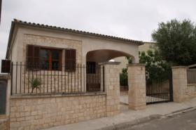 Langzeitmiete Mallorca: Möbliertes Chalet in Cala Llombards