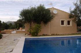 Langzeitmiete Mallorca: Neuwertige Pool Finca zwischen Porto Colom und Cala Murada