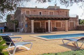 Langzeitmiete Mallorca: Pool Finca mit Pferdekoppel zwischen Campos und Ses Covetes