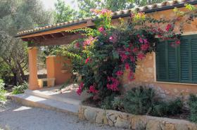 Langzeitmiete Mallorca: Romantische Finca mit Pool und einem Gästehaus nahe Alqueria Blanca