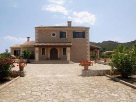 Foto 2 Langzeitmiete Mallorca: Ruhig gelegene 280 m2 Finca mit einem 100 m2 Pool zwischen Manacor und Porto Cristo