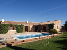 Langzeitmiete Mallorca: Ruhige 140 m2 Neubau Pool Finca nahe Felanitx