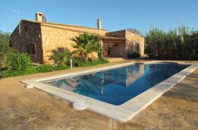 Langzeitmiete Mallorca: Ruhige Pool Finca mit Gästeapartment und Heizung nahe Santanyi