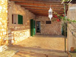 Foto 2 Langzeitmiete Mallorca: Ruhige Pool Finca mit Gästeapartment und Heizung nahe Santanyi