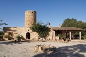 Langzeitmiete Mallorca: Wunderschöne Naturstein Finca mit Mühle nahe Santanyi - Pferdehaltung möglich