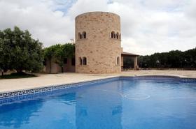 Langzeitvermietung Mallorca: 200 qm Turm Finca mit Pool bei Santanyi zur Langzeitmiete
