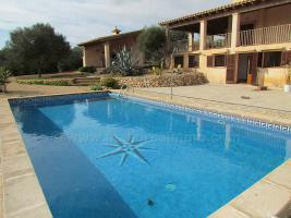 Langzeitvermietung Mallorca: Meerblick Pool Finca mit 2 Gästeappartments bei Porto Colom