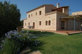 Foto 4 Langzeitvermietung Mallorca: Neuwertige 220 m2 Naturstein Finca mit Pool in erh�hter Panoramalage von Son Macia
