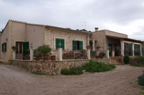 Langzeitvermietung Mallorca: Pool Finca mit Meerblick nahe Santanyi
