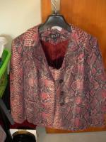 Lederbekleidung zu verkaufen