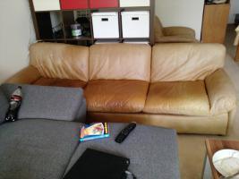 Ledercouch mit 2 Sesseln Zu Verschenken