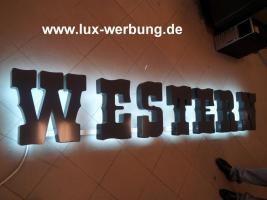 Foto 22 Leuchtreklame Leuchtwerbung Außenwerbung 3D LED Leuchtbuchstaben Einzelbuchstaben mit LED Beleuchtung Leuchtkästen Dibondkästen   Gewerbeimmobilien 3D LED RGB