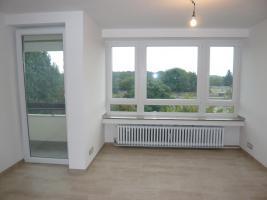 Foto 3 Lichtdurchflutete sanierte 1- Zimmerwohnung in Köln-Heimersdorf ab Dezember 2010 zu vermieten