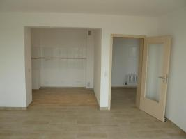 Foto 4 Lichtdurchflutete sanierte 1- Zimmerwohnung in Köln-Heimersdorf ab Dezember 2010 zu vermieten