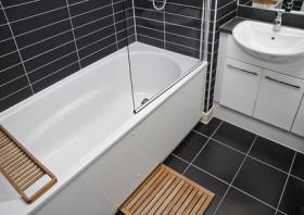 Foto 2 Liebesraum mit Badezimmer in einer Kellerwohnung